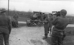 Kombinovaný oddíl na čs. hranicích v Mühlbach dne 1. května 1945. Foto sbírka VHÚ.