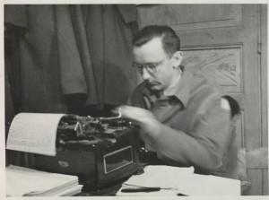 Václav Straka, Public Relations Officer, tedy válečný dopisovatel v řadách Kombinovaného oddílu. Foto sbírka VHÚ.