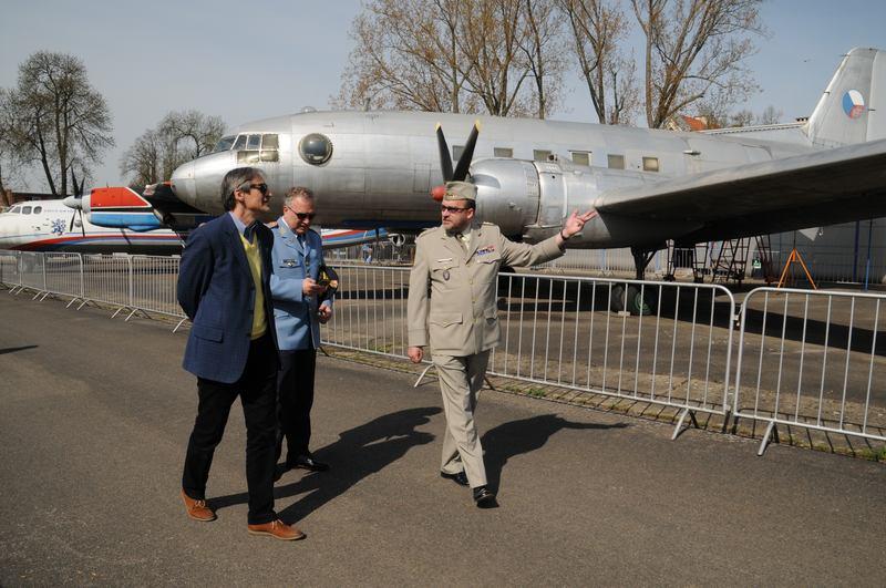 Ministr obrany zahájil novou sezónu v kbelském leteckém muzeu
