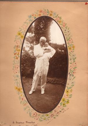 Maurice Pellé s dcerkou Maryskou v Cařihradu, červenec 1922 (Foto sbírka VHÚ)