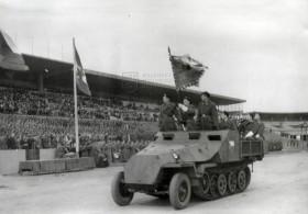 Polopásový obrněný transportér HKL6p / SdKfz 251