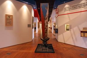 Centrální část výstavy, zadní pasáž