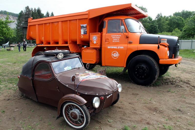 Tatra 148 a Velorex