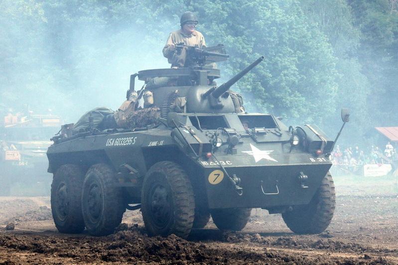 Americká šestikolka M-8 Greyhound