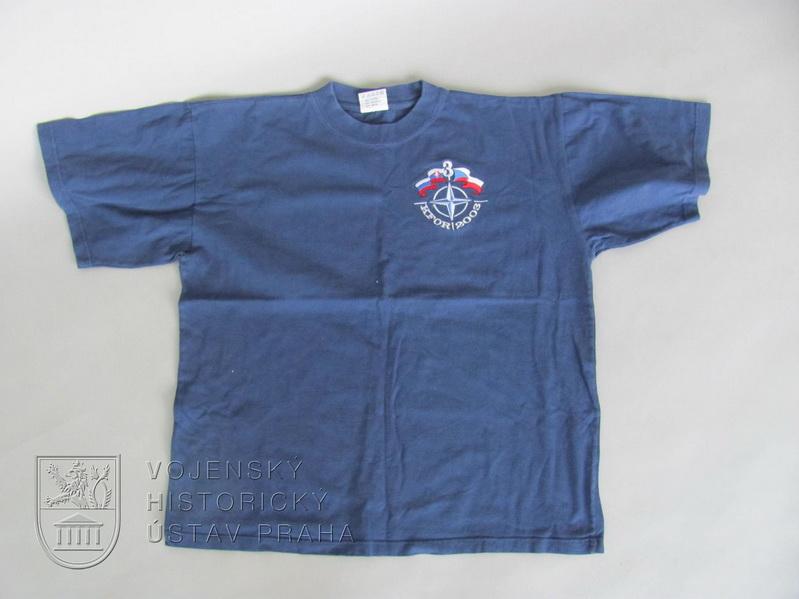 Upomínkové tričko KFOR (Kosovo Force 2003)