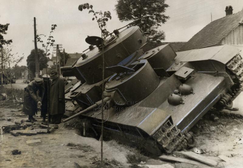 Sovětský pětivěžový tank T-35