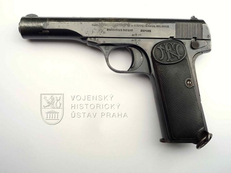 Holandská armádní pistole M. 25 No. 2