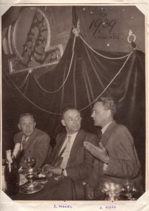 Zleva člen Moravcovy zpravodajské skupiny škpt. Václav Sláma, plk. František Moravec a člen čs. Národního výboru Hubert Ripka v roce 1939 v Paříži. (ABS)
