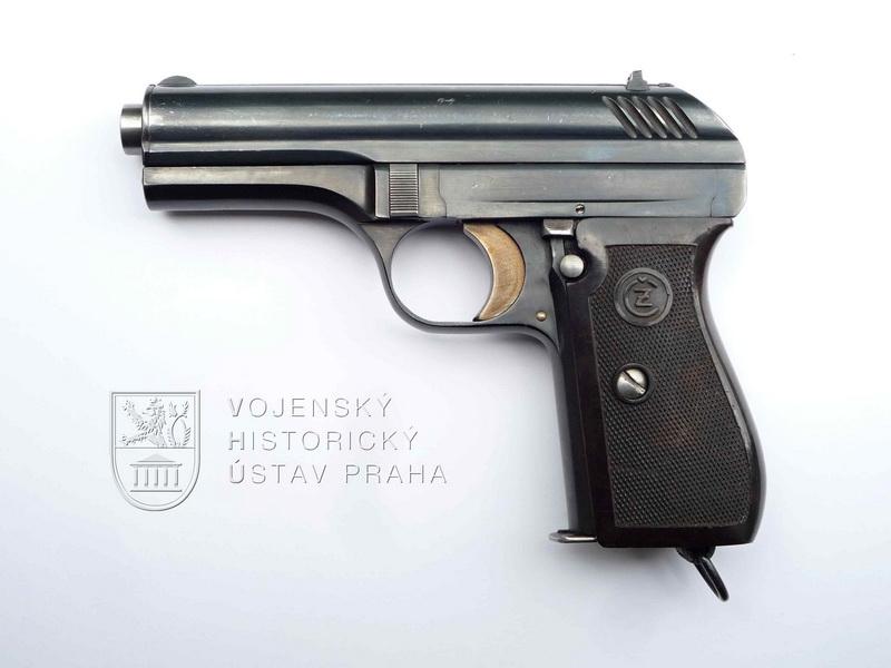 Armádní pistole vzor 24