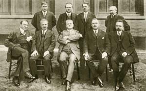Ve dnech 13.–14. března 1915 se v Clevelandu uskutečnila porada Českého národního sdružení. Účastníci se na ní poprvé podrobně seznámili s odbojovou koncepcí T. G. Masaryka a také s požadavky na finanční pokrytí odbojové akce. Peníze krajanů v USA sehrály stěžejní roli.