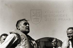 Napětí v Hessově tváři poté, co 31. 8. 1940 sestřelil dva nepřátelské letouny Hess 31.8.40.