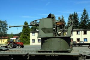 40mm námořní protiletadlový kanón Bofors M/48
