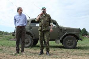 Zaháíjení Tankového dne, ministr obrany Martin Stropnický a ředitel VHÚ plukovník Aleš Knížek