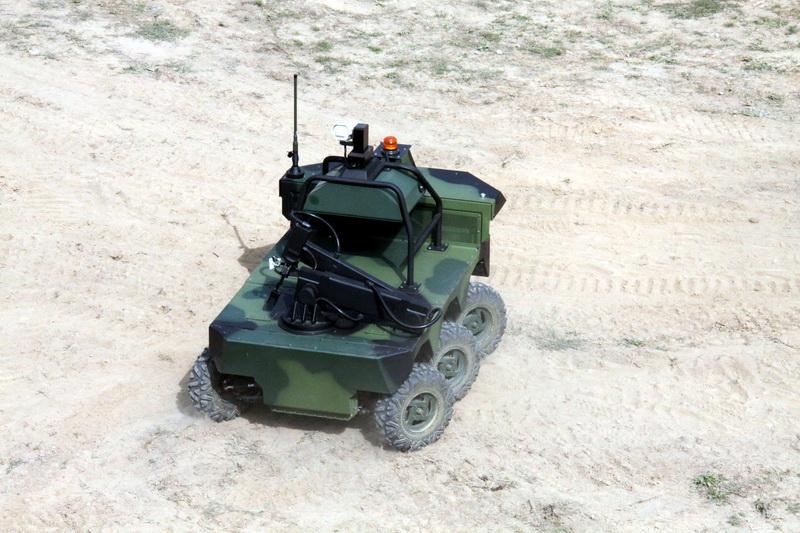 Vozidlo Taros bez řidiče, řízené na dálku