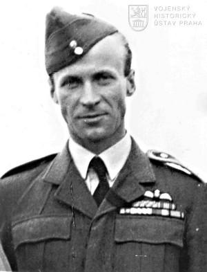 Velitel čs. stíhacího křídla, mjr. Jaroslav Hlaďo.