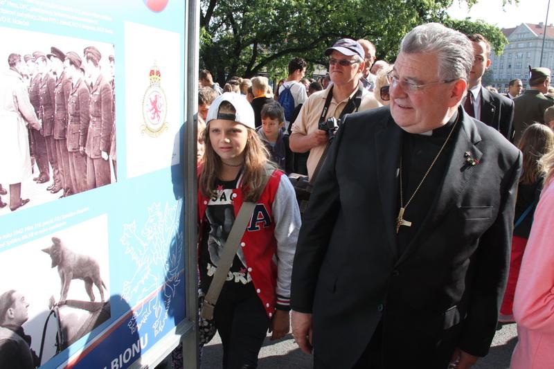 Kardinál Dominik Duka - zahájení výstavy Na nebi hrdého Albionu