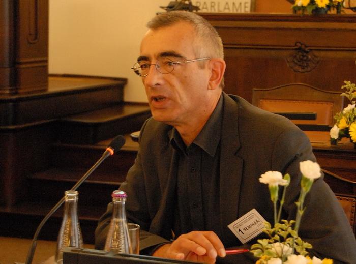Přednášející: Thomas F. Schneider