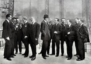 Členové delegací Českého národního výboru a Českého svazu na poradách s ministrem zahraničních věcí E. Benešem v Ženevě ve dnech 28.–31. října 1918.