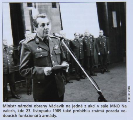 Nové číslo Historie a vojenství: proč ČSLA v roce 1989 nezasáhla?