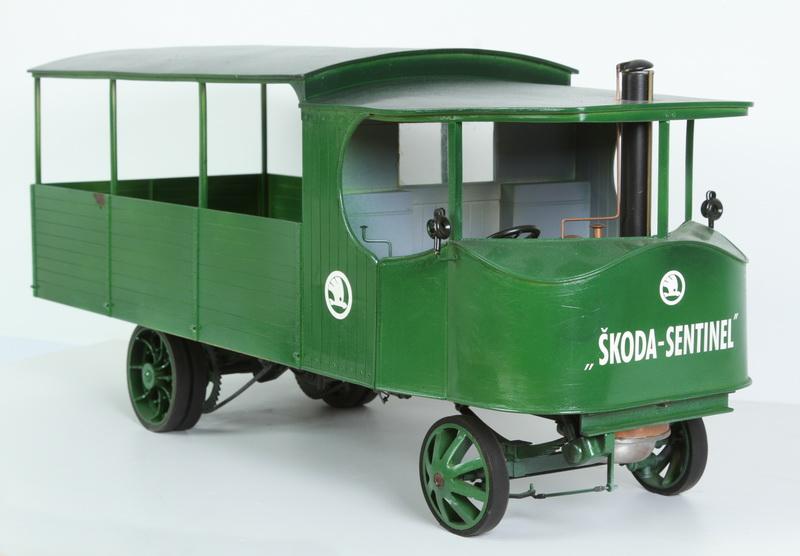 Model československého parního nákladního automobilu Škoda Sentinel