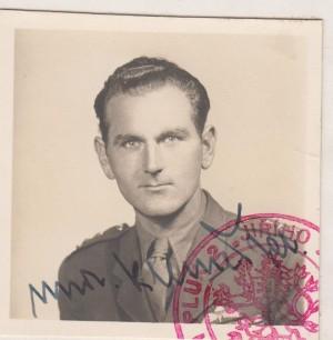 Npor. Jaroslav Klemeš na poválečném snímku z doby, kdy sloužil u 2. pěšího pluku v severních Čechách.