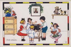 Bůh ochraňuj císaře. Motiv bezstarostných dětí v pokojíčku s portrétem Františka Josefa I., 1916.