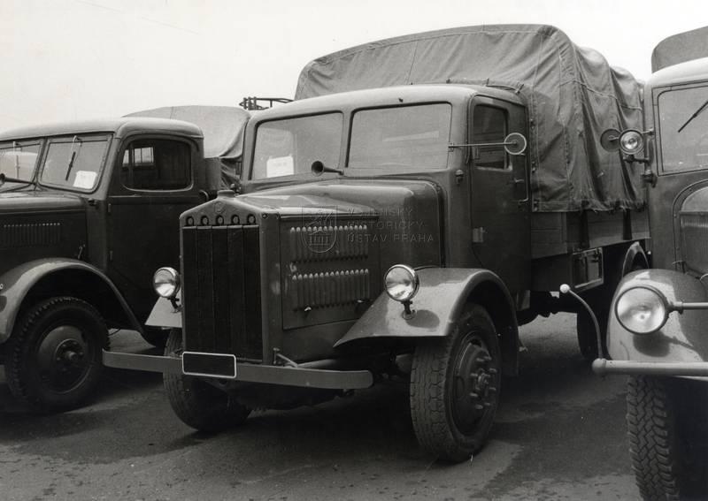 Nákladní automobil Tatra 27