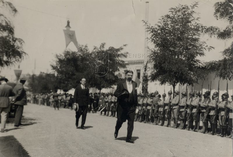 Československý vyslanec v Albánii J. M. Kadlec, 1927
