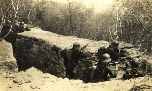 Budování československé armády začínalo z mála. Unifikační proces předpokládal též sjednocení výzbroje a dalšího materiálního vybavení. Archiv VHÚ
