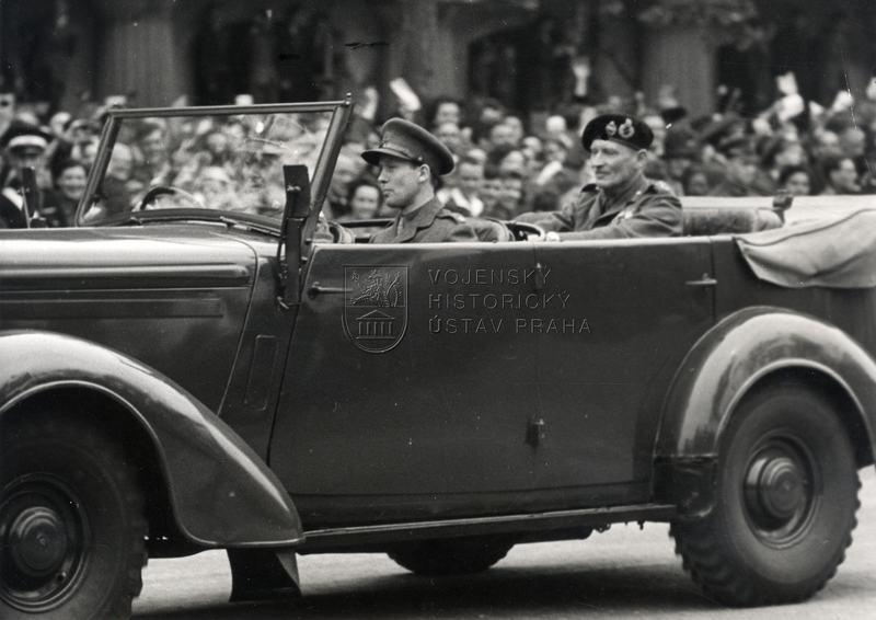 Návrat polního maršála Bernarda Montgomeryho do Londýna