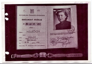 Snímek falešného občanského průkazu, se kterým měla Jana Horáková přejít tajně státní hranici