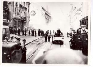 ČSLA zasahuje proti demonstrantům 21. srpna 1969 v Praze Na příkopech. FOTO: VHÚ