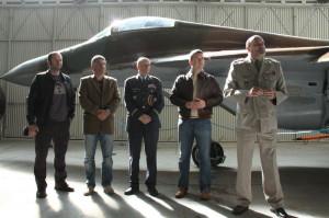 Zprava: ředitel VHÚ Aleš Knížek, předseda Poslanecké sněmovny Jan Hamáček, velitel Vzdušných sil AČR Libor Štefánik, náměstci ministra obrany Tomáš Kuchta a Pavel Beran.