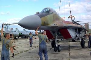 Přesun letounu MiG-29 ze Slovenska do sbírek Vojenského historického ústavu Praha loni na podzim