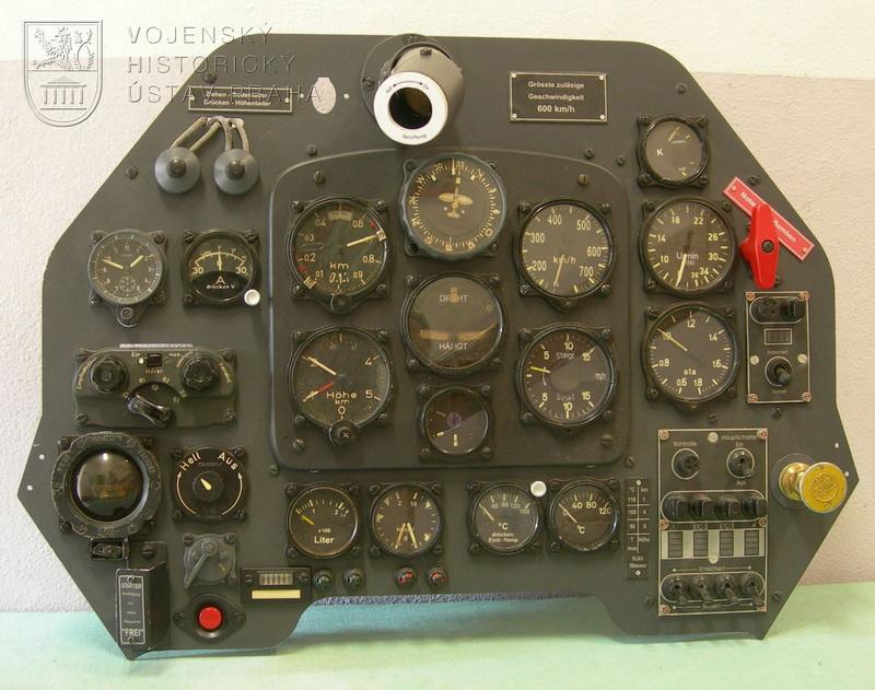 Palubní deska letounu Junkers Ju 87D