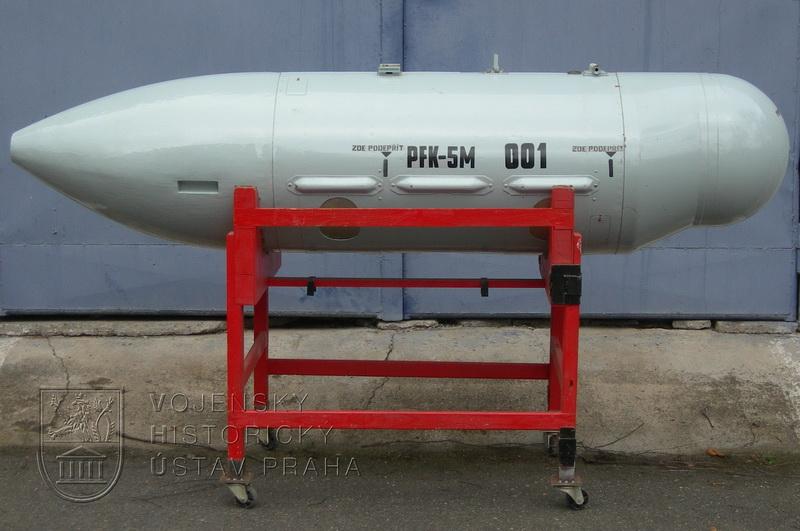 Podvěsný fotografický kontejner PFK-5M