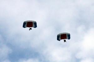 Seskoky padákem, příslušníci 24. Základny dopravního letectva Kbely