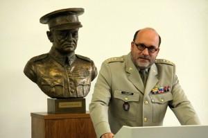 Ředitel VHÚ Aleš Knížek při vyhlášení hry Tajemství vojenského kufříku a Muzeum v krabičce v Armádním muzeu Žižkov