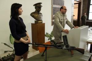 Vlevo Petra Raisichová, koordinátorka soutěže Tajemství vojenského kufříku