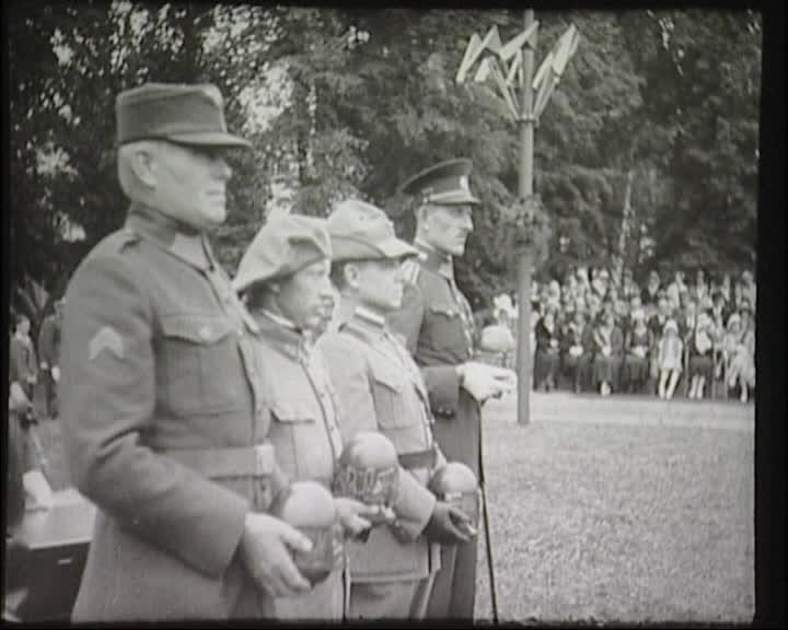 Památník v Hranicích (Odhalení památníku vojenské akademie a vyřadění poručíků v Hranicích 1931)