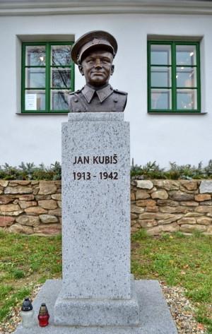 Jan Kubiš se v Dolních Vilémovicích narodil 24. června 1913