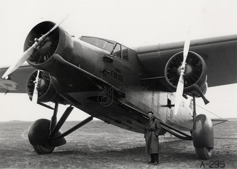 Bombardér Avia F-39