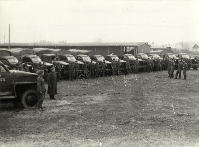 Sborová autodílna 1. čs. armádního sboru v Černovicích, 1944