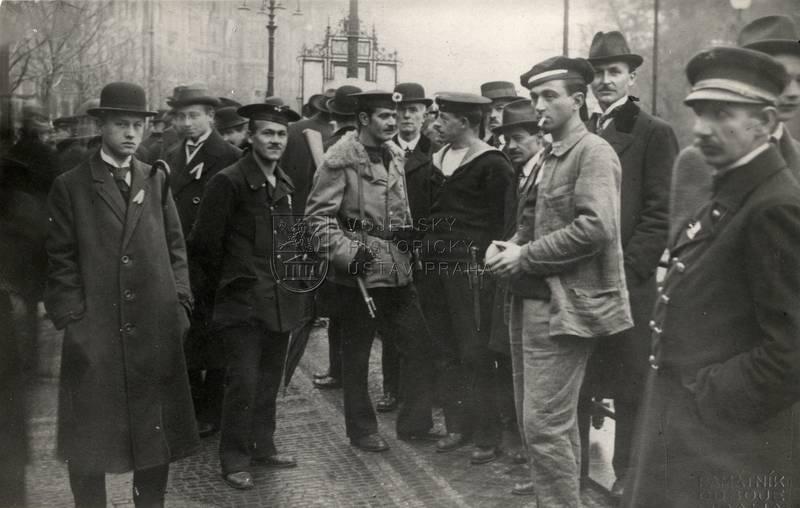Čeští námořníci 28. října 1918 na Žofíně
