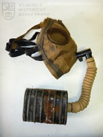 Britská ochranná maska Small Box Respirator, starší typ