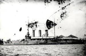 Rakousko-uherský pancéřový křižník Sankt Georg v přístavu. Foto sbírka VHÚ.