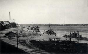 Rakousko-uherské dunajské monitory za první světové války kotví v přístavišti