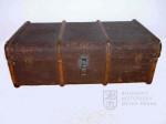 Zavazadlo – dřevěný žebrovaný lodní kufr