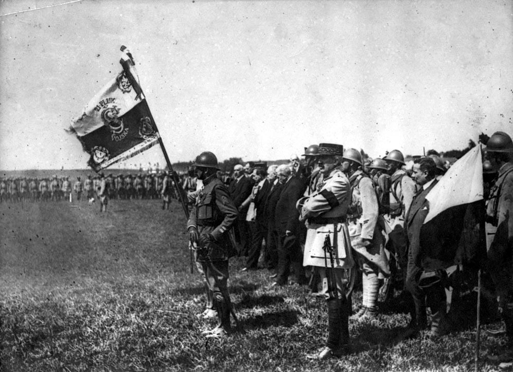 3ad6abfdd4 Slavnostní předání bojového praporu 21. čs. pěšímu pluku v Darney 30.  června 1918 ...