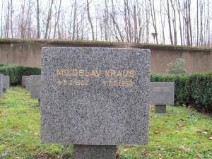 Pamětní deska Miloslava Krause na Ďáblickém hřbitově